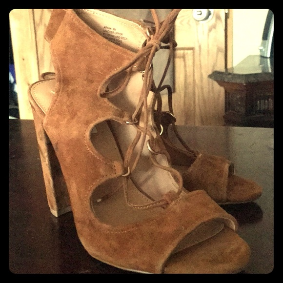 64a674949cc NWOT Steve Madden Aryah lace up open toe heels